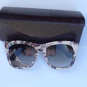 Gucci Floral Design Sunglasses